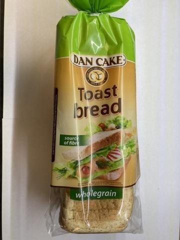 SZPI varuje před celozrnným toustovým chlebem Dan Cake vyrobeným v Polsku, který obsahoval větší množství kovových špon.