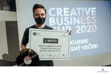 Vítěz soutěže Creative Business Cup Jan Sláma, jehož firma FaceUp vyvinula aplikaci na boj se šikanou.