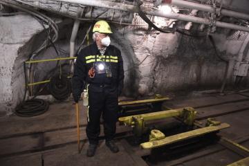 Dva měsíce po skončení těžby jsou už všechny ukončené dobývací prostory v karvinských dolech ČSA a Darkov uzavřeny hrázemi odolnými proti výbuchu. Pracovníci už z nich také vyklidili všechny upotřebitelné dobývací technologie.