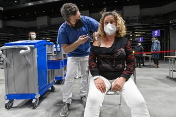 V hale O2 universum v Praze začalo 3. května 2021 fungovat velkokapacitní očkovací centrum.
