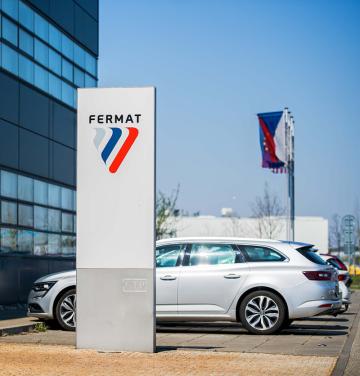 Hlavní výrobní a montážní zařízení FERMAT je v Brně a v Lipníku nad Bečvou.