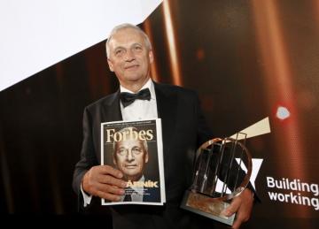 Vítěz v soutěži EY podnikatel roku 2017 získal 27.02.2018 na pražském Žofíně majitel strojírenské firmy Agrostroj Lubomír Stoklásek.