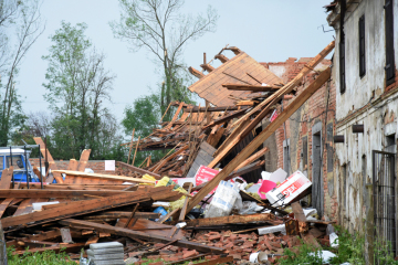 Obyvatelé Stebna u Kryr u Podbořan v lounském okrese sčítali 25. června 2021 škody po bouři, která předchozího dne značně poničila obec.