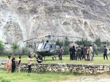 Pákistánští záchranáři čekají na možnost vyproštění dvou českých horolezců a Pákistánce, kteří uvázli 12. září 2021 při sestupu z hory Rakapoši v Pákistánu.