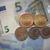 Koruna na počátku týdne mírně oslabila k euru i dolaru