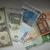 Koruna dnes mírně oslabila k euru, stagnovala k dolaru