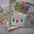 Koruna dnes stagnovala k euru, na dolar si ale mírně polepšila