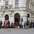 Také dnes lidé stáli fronty před ČNB na výroční dvacetikoruny