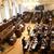 Poslanci by se mohli zabývat změnami v exekucích a v daních