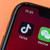 Trump zakázal obchody s vlastníky TikToku a WeChatu