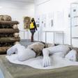 Muzeum v Turnově má v expozicích připravenou svoji největší letošní výstavu věnovanou pohřebním rituálům v regionu napříč staletími (na snímku z 15. dubna 2021). Návštěvníkům ji chce přiblížit alespoň virtuálně, v rámci protikoronavirových opatření je nyní muzeum uzavřené.